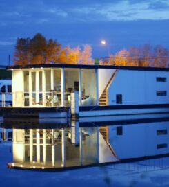Homeboat – Loft on the Water